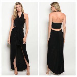 Dresses & Skirts - Gorgeous Twist on the Little Black Dress Medium